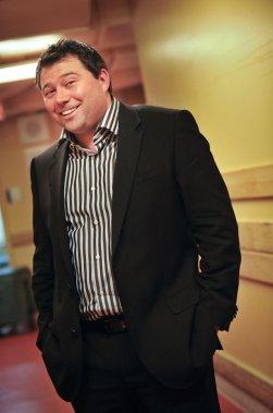Martin Paquette, co-propriétaire du Spa Nordik, s'est vu remettre le prix Projet d'investissement. (Martin Roy, LeDroit)