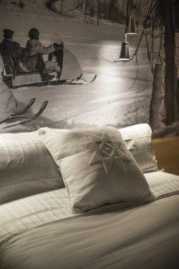 Le coussin bridé de l'Étoile de Charlevoix, par l'artisane Anne-Marie Hamel. (Photo fournie par l'hôtel La Ferme)