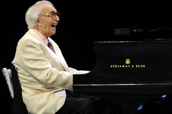Dave Brubeck en spectacle à la salle Wilfrid-Pelletier de la Place des  Arts en juillet 2009. (Photo: Bernard Brault, archives La Presse)