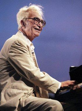 Dave Brubeck au Festival de jazz d'Antibes-Juan-les-Pins en juillet 1999. (Photo: AFP)