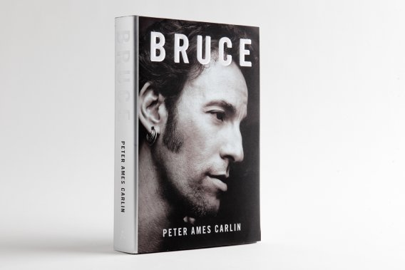 Bruce, Peter Ames Carlin, Touchstone, 32$. ()