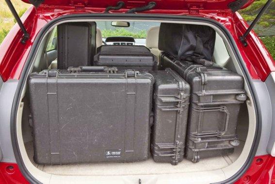 DÉMÉNAGEUSE - Même si elle est moins large et moins haute, la Prius V offre la meilleure capacité de chargement, et ce, que la banquette arrière soit repliée ou non. (Photo fournie par Toyota)