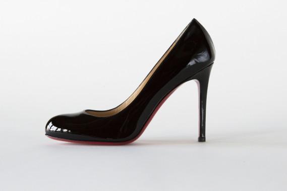 Noir lacqué, et semelle rouge, Christian Louboutin, 625 $ ()