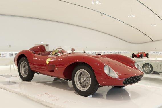 FERRARI 500 TRC 1957 (Collezione Caggiati) - Une autre merveille signée Sergio Scaglietti, qui a permis à Ferrari de remporter son troisième Championnat du monde catégorie sport. (Photo fournie par le Musée Casa Enzo Ferrari)
