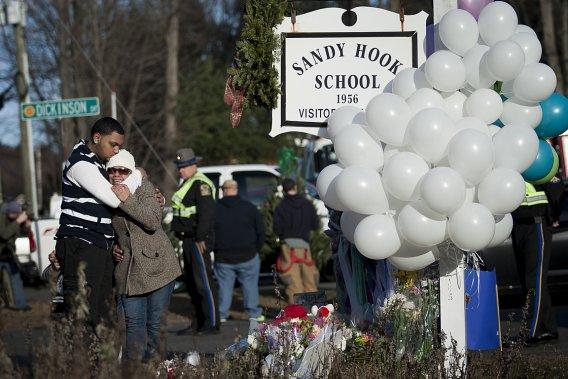 Le tueur Adam Lanza est entré «de force» dans l'école, pourtant fermée après l'entrée des élèves. (François Pesant, collaboration spéciale)