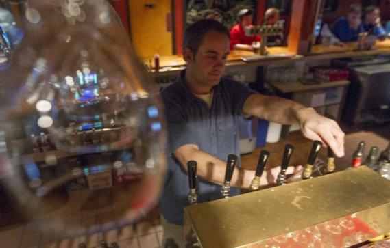 Un verre à la Sunday River Brewing Company. (Ivanoh Demers, La Presse)