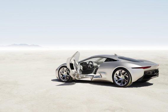 Trois prototypes seront vendus aux enchères. Jaguar affirme qu'elle peut récupérer une bonne partie des technologies utilisées dans la C-X75.