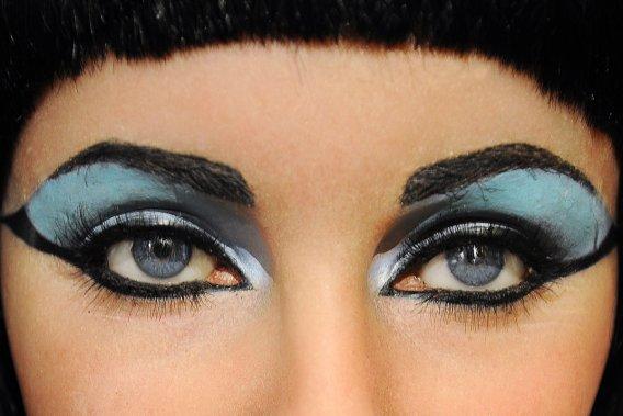 Les 10 personnalités de l'humanité : Cléopâtre... jouée par Liz Taylor. Puissant tandem. (Photo: AFP)