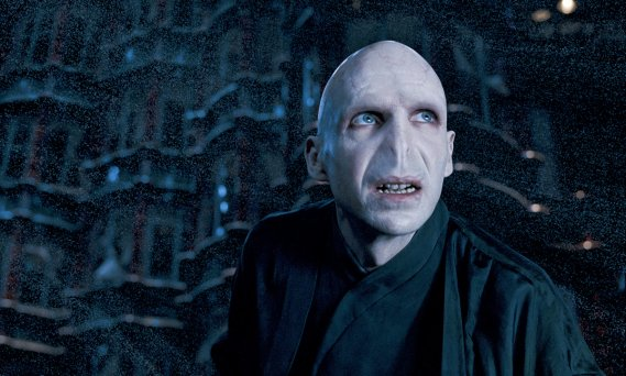 Les 10 pires méchants : Voldemort. Ennemi juré d'Harry Potter. (Photo: Warner Bros)