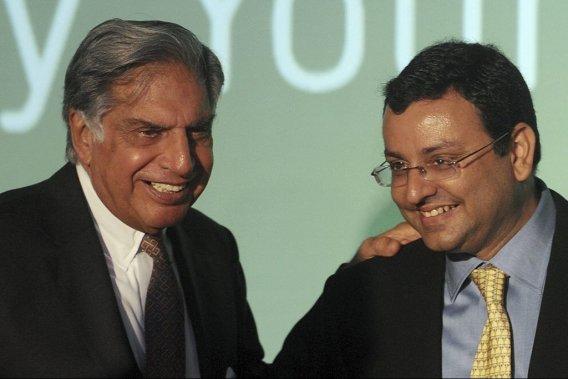 Ratan Tata (à gauche) sera remplacé par Cyrus P. Mistry, 44 ans, à la tête du premier conglomérat.