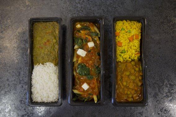 Visite de Delta deli food, une compagnie qui fait des repas d'avion à Rigaud. (PHOTO IVANOH DEMERS , LA PRESSE)