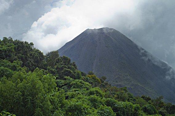 L'Izalco compte sans doute parmi les volcans salvadoriens les plus spectaculaires. (Photo David Boily, La Presse)