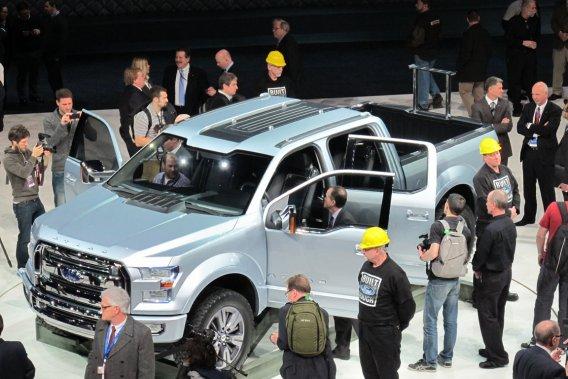 Le F-150,une camionnette au look plus robuste certes, mais néanmoins très semblable à la génération actuelle.