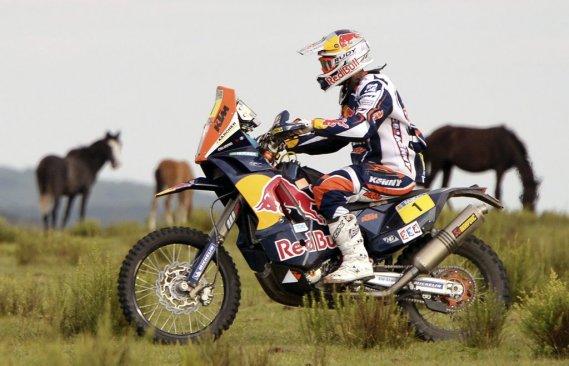 Cyril Despres a pris la tête du classement général moto au guidon de sa Ktm.