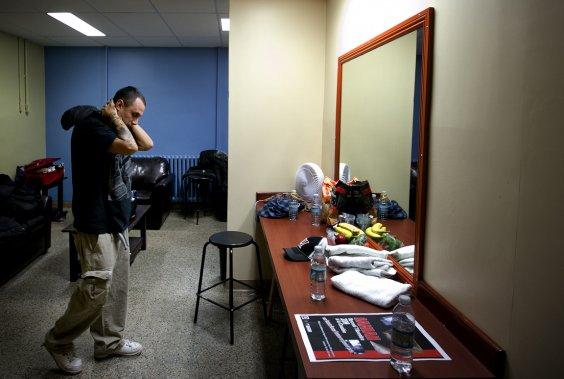 Samian se concentre avant sa prestation. (Marco Campanozzi, La Presse)