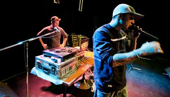 DJ Horg, à gauche, et Samian, lors d'une séance de répétition. (Marco Campanozzi, La Presse)