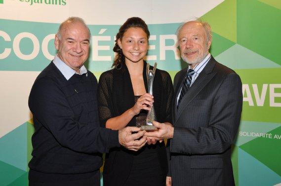 Athlète féminine de niveau québécois. Bernard Nault, Marie-Laurence Godin et Jean Gauthier. (Photo: Émilie O'Connor)