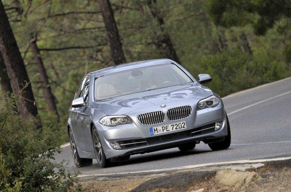BMW propose des produits à motorisation hybride dont la ActiveHybrid5.