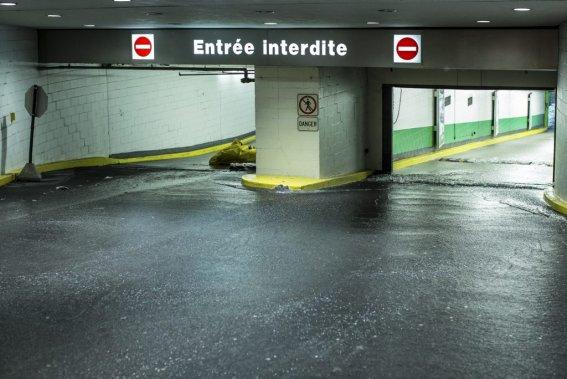 Le stationnement de l'édifice Ville-Marie fut lourdement inondé. (Edouard Plante-Fréchette, La Presse)