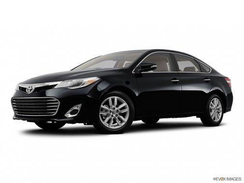 Toyota Avalon: Il n'y a que le style qui change - Berline 4 portes XLE - Plan latéral avant (Evox)