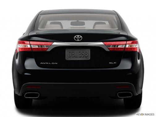 Toyota Avalon: Il n'y a que le style qui change - Berline 4 portes XLE - Arrière (Evox)