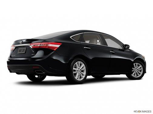 Toyota Avalon: Il n'y a que le style qui change - Berline 4 portes XLE - Plan latéral arrière (Evox)