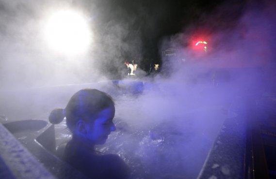 Un bain tourbillon extérieur. (Bernard Brault, La Presse)