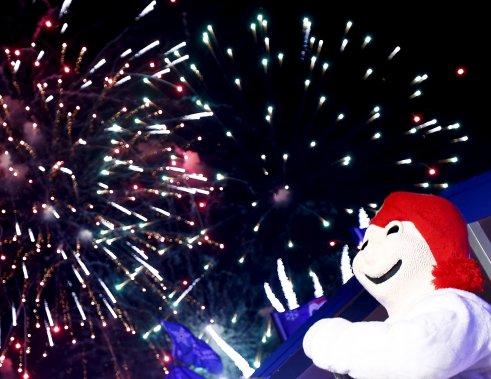 Avec un mercure plongeant bien en deçà de zéro le 1er février, le coup d'envoi du Carnaval de Québec a été donné lors de la traditionnelle soirée d'ouverture où les discours volontairement brefs ont laissé toute la place à la fête. (Le Soleil, Yan Doublet)