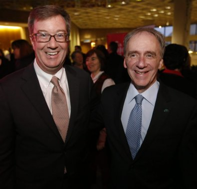 L'engagement de plusieurs personnalités de la région, quelque soit le domaine, a été souligné mardi soir à l'occasion de la Soirée Personnalité 2012 LeDroit / Radio-Canada, (Simon Séguin-Bertrand, LeDroit)