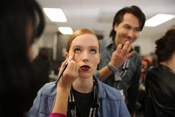 Le maquillage: simple et mat. (PHOTO MARTIN CHAMBERLAND, LA PRESSE)