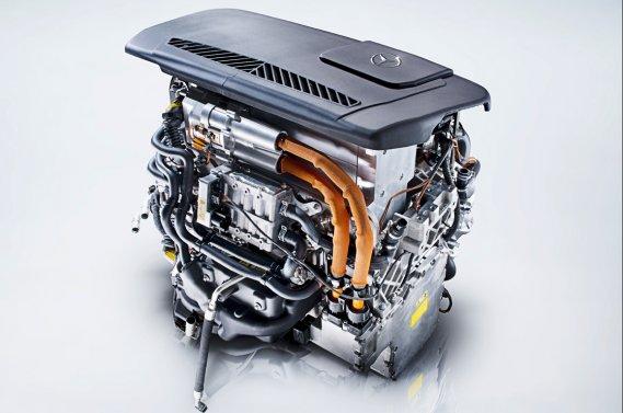 La pile à combustible hydrogène F-Cell, de Mercedes, est de plus en plus compacte.