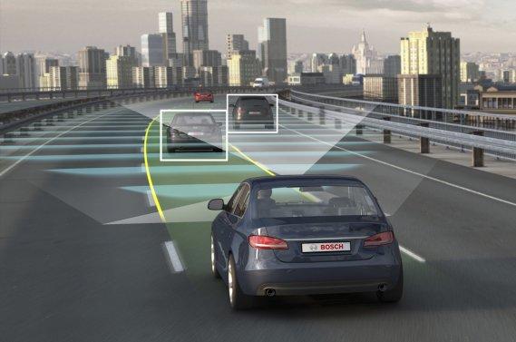 L'équipementier allemand Bosch a annoncé qu'il offrira dès 2014 la  première génération du «Traffic-Jam Assistant». Le gadget interprète la circulation environnante dans les  bouchons et applique l'accélérateur et les freins à votre place.