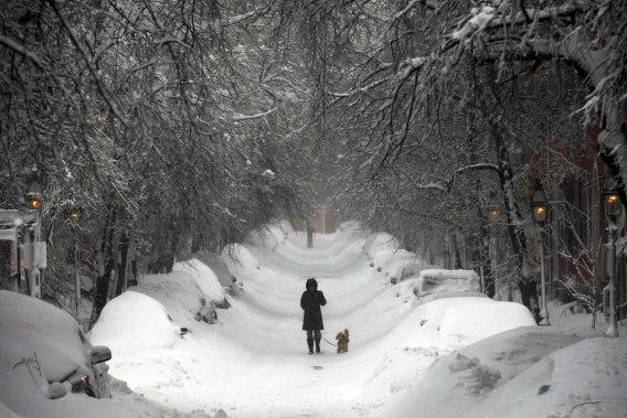 Neige et blizzard au nord-est des USA