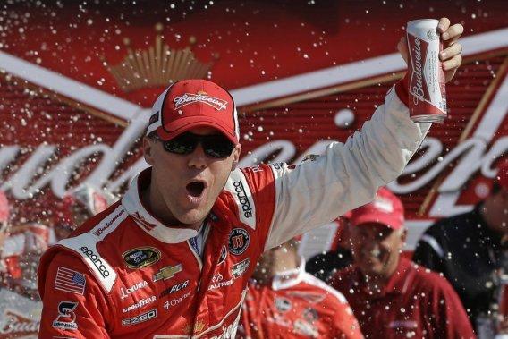 Harvick a remporté la première course de qualification en vue du Daytona 500, jeudi.