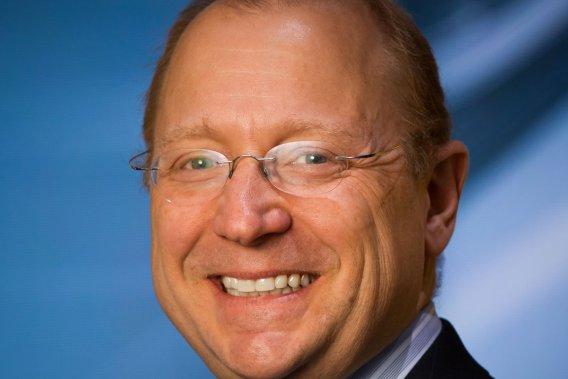 Steve Girsky, le vice-président de GM, annonce l'arrivée de la 4G dans la plupart des modèles du groupe dès 2014.