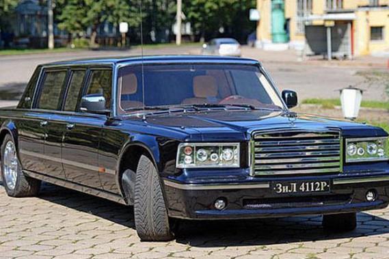 La limousine qui n'a pas plu au président russe Vladimir Poutine: la Zil 4112P 2013...
