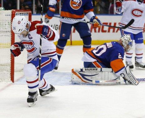 Le nom de Brian Gionta sera gravé dans l'histoire du Canadien puisqu'il a compté le 20 000e but de l'équipe. (PHOTO PAUL J. BERESWILL, AP)