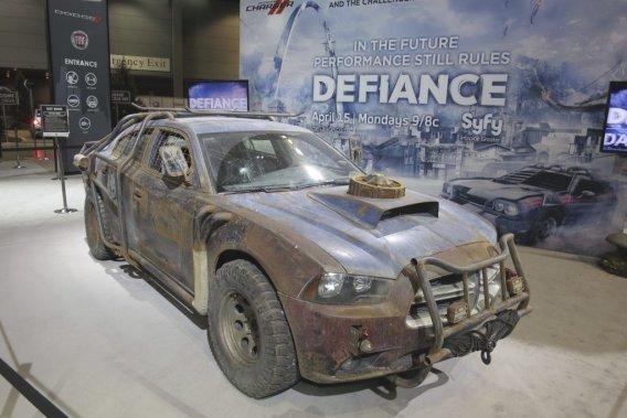 La Charger qui sera la vedette de <em>Defiance </em>aurait pu aussi bien donner la réplique à la Falcon de <em>Mad Max</em>!
