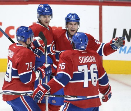 Les Canadiens célèbrent le but de Brendan Gallagher en 2e période. (Bernard Brault, La Presse)
