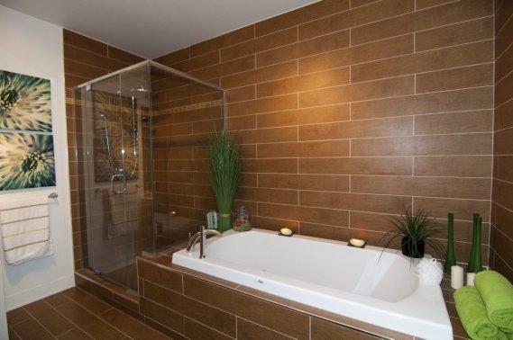 un condo de luxe pr s du carrefour laval val rie v zina collaboration sp ciale maisons de luxe. Black Bedroom Furniture Sets. Home Design Ideas