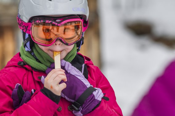 Tire d'érable servi dans une petit cabane a sucre dans une des pentes de ski du mont Saint-Anne. (Photo Olivier Pontbriand, La Presse)
