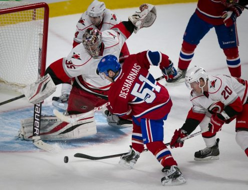 David Desharnais tente sa chance. (PHOTO ANDRE PICHETTE, LA PRESSE)