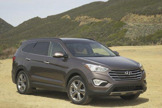 Le nouveau Hyundai Santa Fe XL est un peu plus long que le Santa Fe actuel, mais il affiche une ligne bien équilibrée.