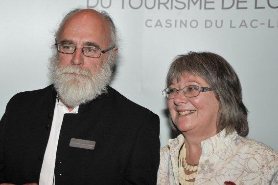 ATTRACTIONS TOURISTIQUES - MOINS DE 25 000 VISITEURS.  Michel Tardif et Mireille Albert, co-propriétaires de  Les Jardins d'Emmarocalles. (Martin Roy, LeDroit)