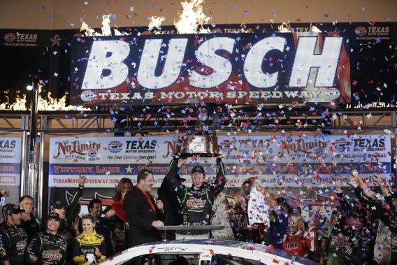 Kyle Busch a mené 171 des 334 tours.