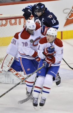 P.K. Subban et Brendan Gallagher bloquent un tir des Jets. (Photo Reuters)