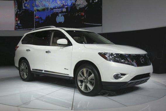 Le Pathfinder 2014 sera offert en version hybride électrique.
