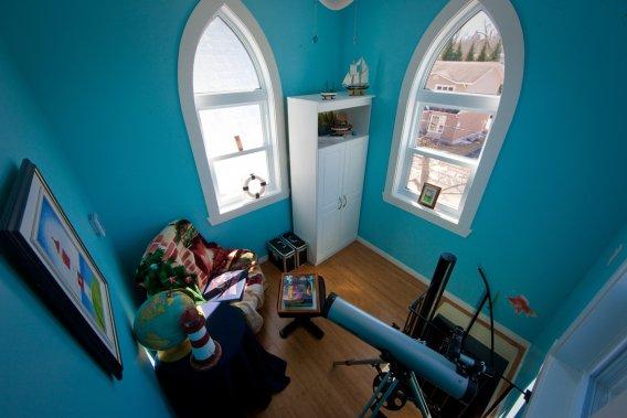 Le clocher abrite une chambre idéale pour observer les étoiles. (Photo David Boily, La Presse)