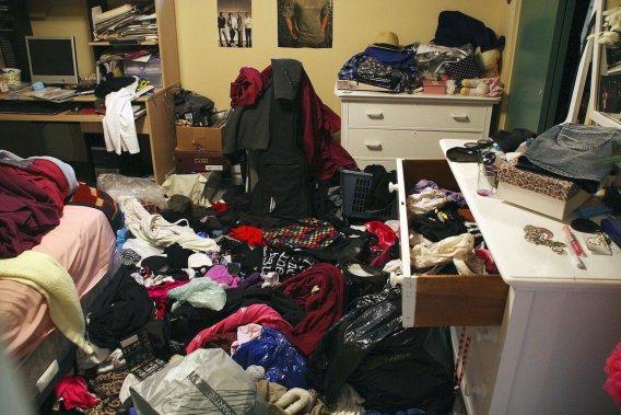la chambre de ma fille o lon ne voit pas le tapis - Chambre En Bordel