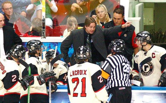 Patrick Roy en 2005, à ses débuts comme entraîneur-chef des Remparts de Québec (Photothèque Le Soleil)